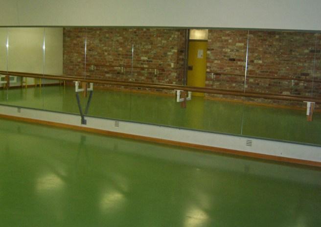 Die kleine Tanzwerkstatt, Ballettsaal der Ernestinenschule